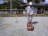 柱状改良後の砕石敷き均し状況3