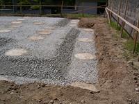 柱状改良後の砕石敷き均し状況4